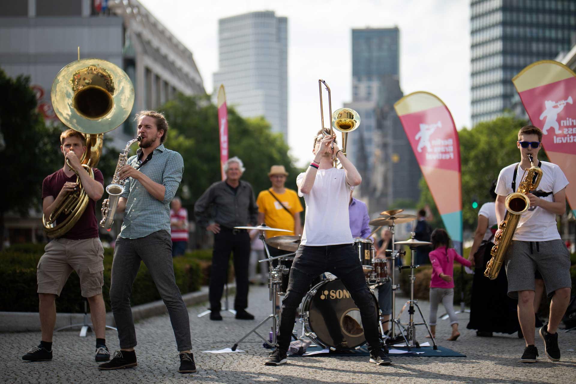 Berlin Brass Festival Strasse Musik Band Fete de la Musique